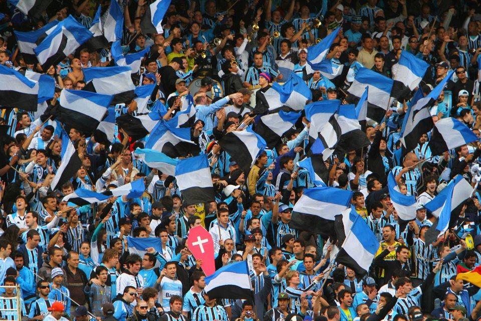 49f63eb55fb5f Mais uma da torcida do Grêmio no Beira-Rio (foto  lucasuebel ...